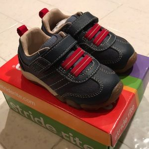 Stride Rite Prescott shoes 4.5 M